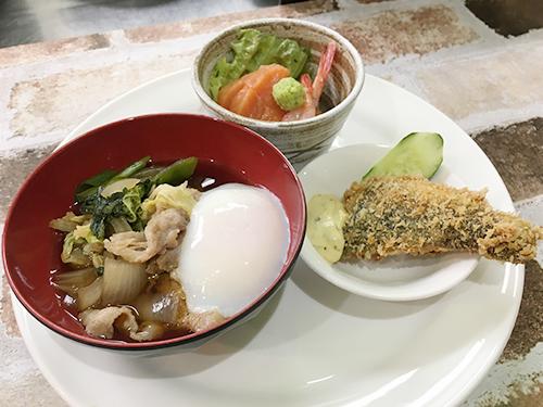 和食づくし(お刺身2点・縞ホッケフライ・牛スキヤキ)