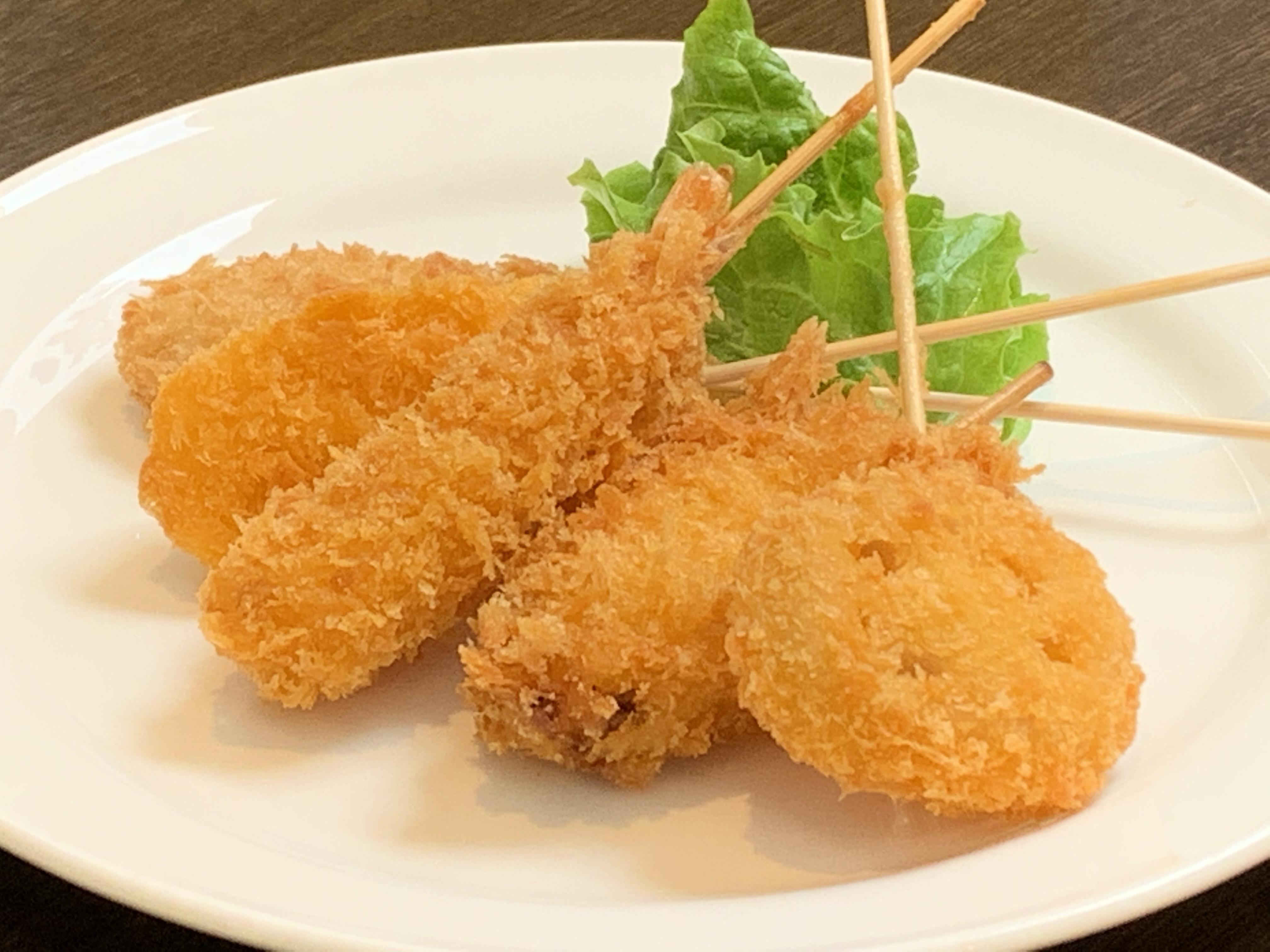 串揚げ5種(海老・イカ・豚・鶏・レンコン)