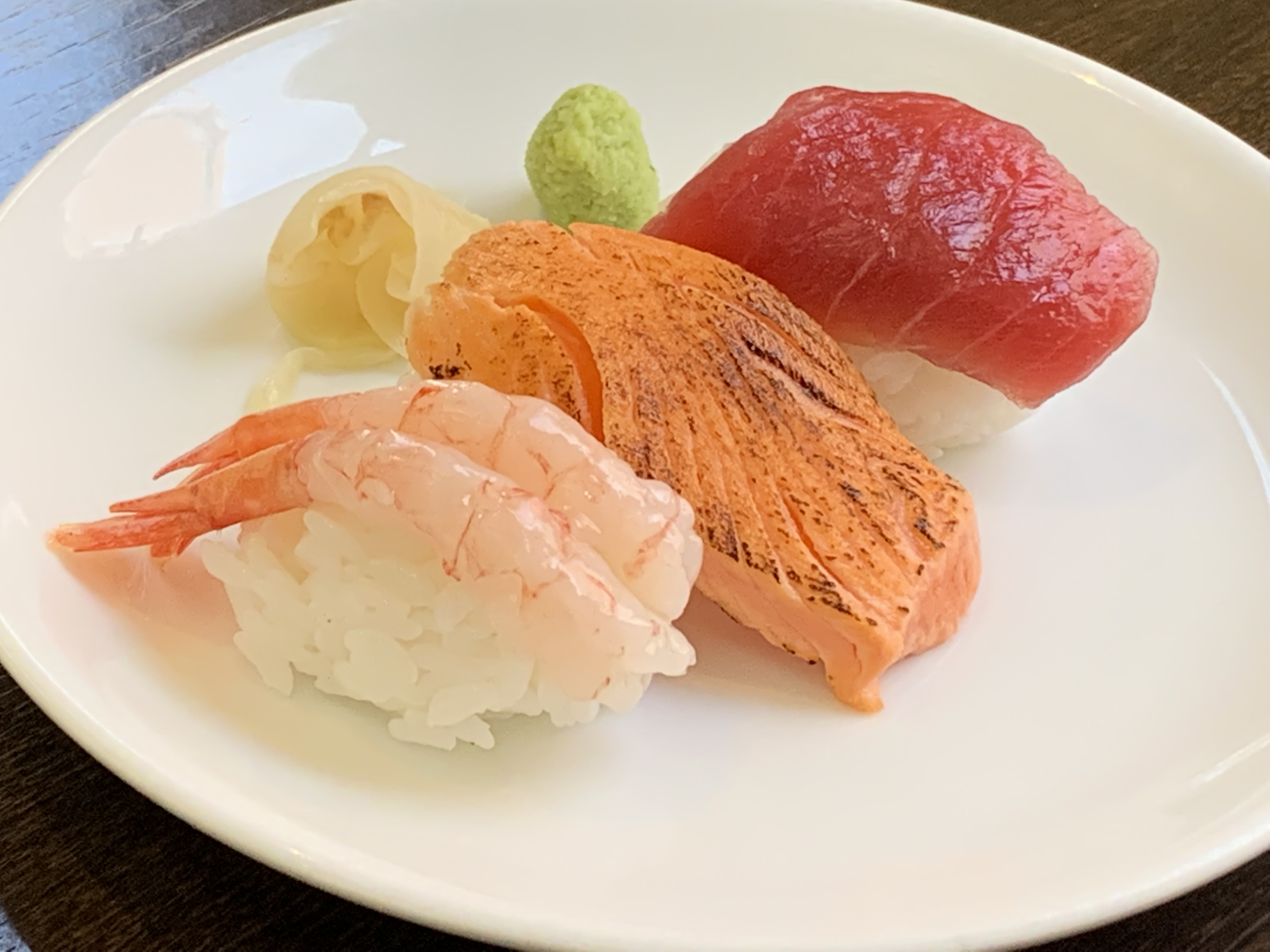 三貫寿司 鮪・炙りサーモン・甘海老